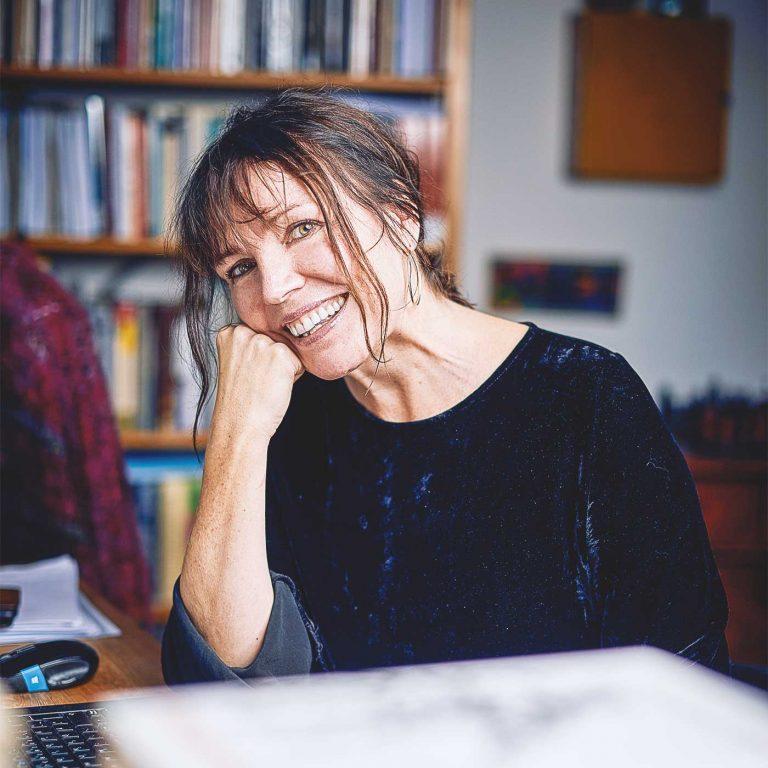 Demokrati 100 år i Sverige – föreläsning av Sofia Näsström